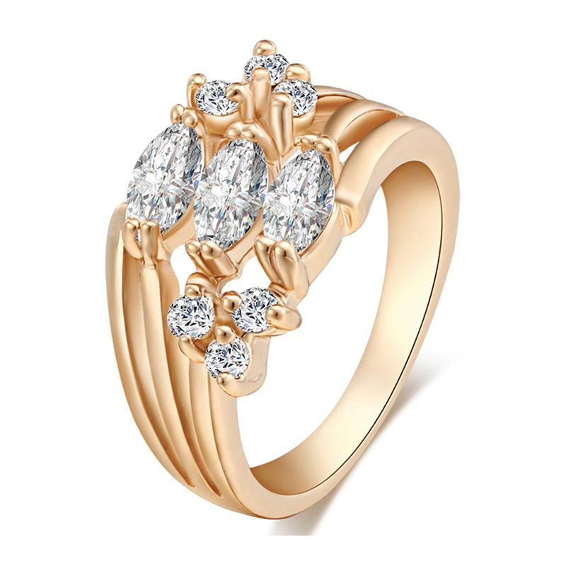Beautiful Zircon Ring J0728
