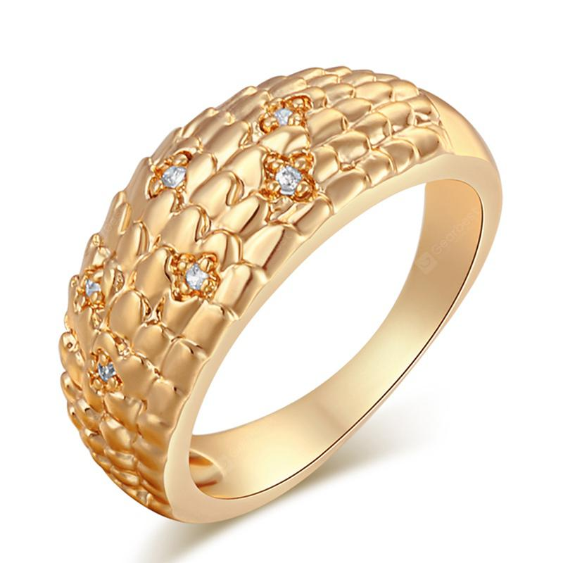 Fashionable Snake Grain Zircon Ring J1747