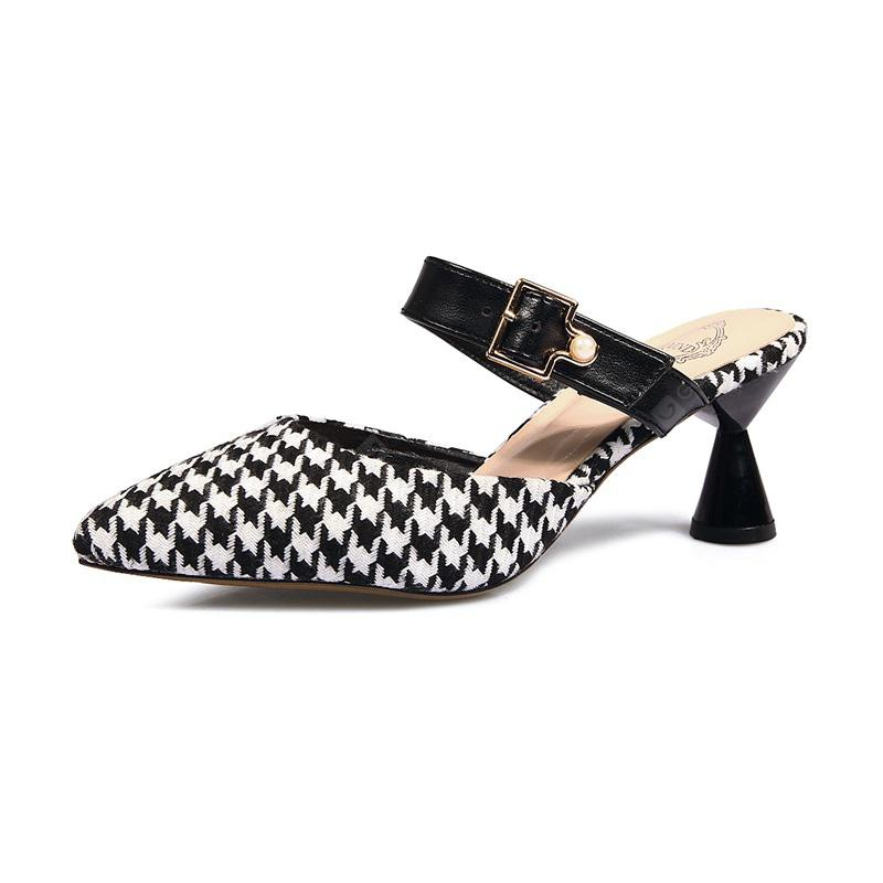 Baotou All-match Pointed with Sandals