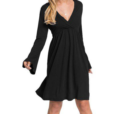 Frauen V-Ausschnitt Solid Color Hohe Taille Flare Sleeve Casual Dress
