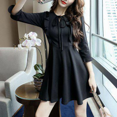 QEEXI New Neckline Lace-Up Slim Fit Dress